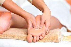 massaggio-piedi
