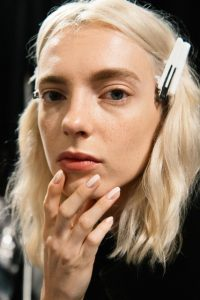 gallery-1475247275-unghie-nail-contouring